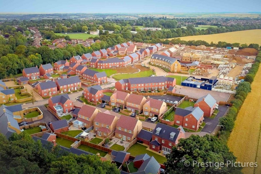 New housing in Oxfordshire ©Prestige Pictures